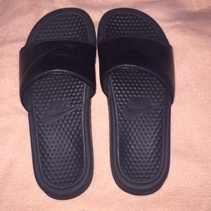 Nike Sandals (Preowned)